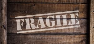 Fragile sign on a crate.