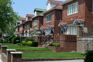 great housing opportunities in Middle Village NY