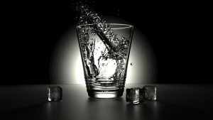 Picture of a glass with cold water